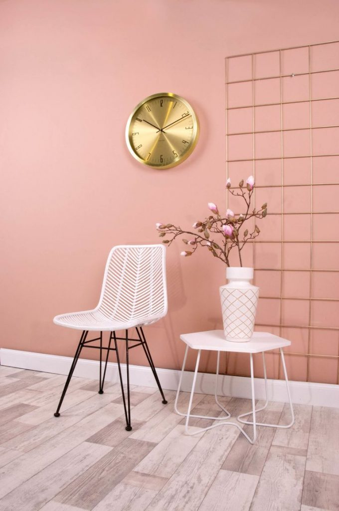 pastel chaise